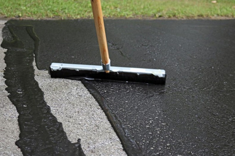 Plano Driveway Sealing