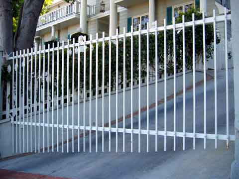 Expert Overhead & Sliding Gate Repair Arlington