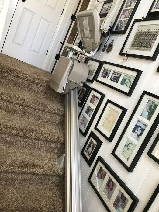 nassau-county-stairlift-job-top-of-staircase
